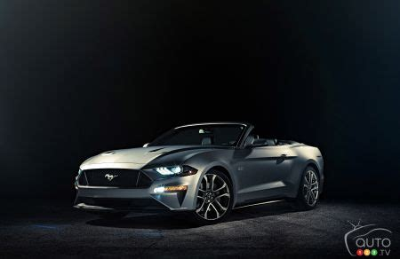 2018 ford mustang convertible unveiled days after the