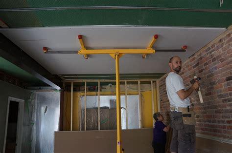 poser du placo au plafond pose placo wikilia fr