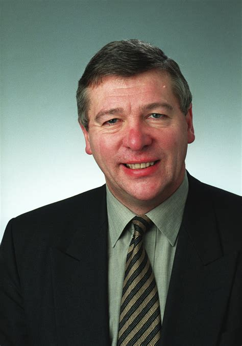 shadow cabinet slumbering says veteran labour mp