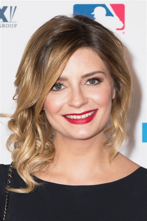 Royal Thank Fans For Support by Mischa Barton Thanks Fans For Support After Being