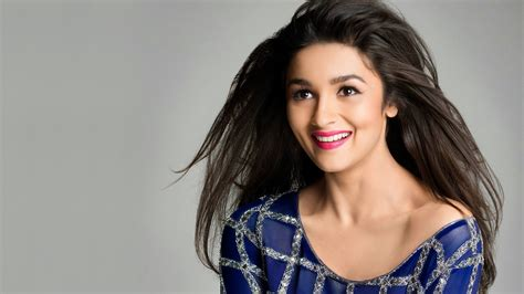 15 photographs that prove alia bhatt is one of the cutest
