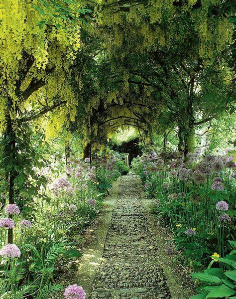 class magical gardens