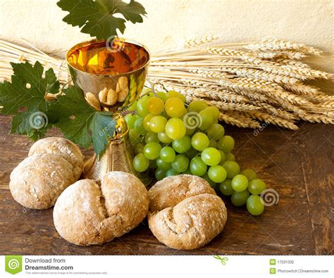 imagenes de uvas y pan grapes for holy wine stock photography image 17531332