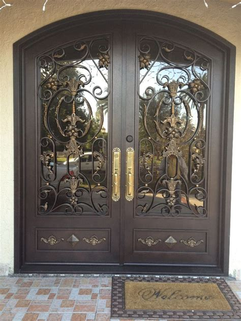 iron gate for front door 25 best ideas about iron front door on