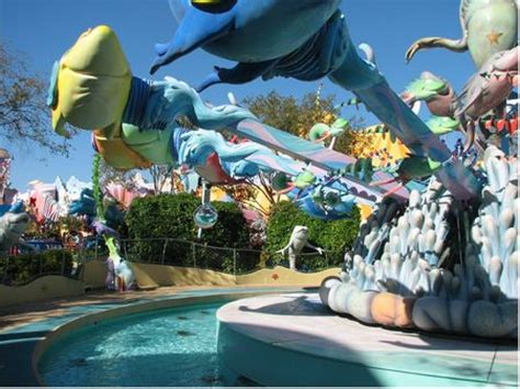 one fish, two fish, red fish, blue fish at universal's