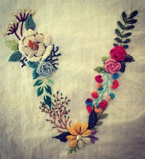 embroidery letters 25 best ideas about embroidery letters on