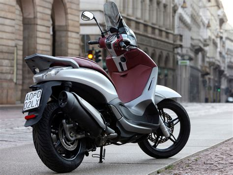 2012 piaggio beverly sport touring 350 scooter pictures