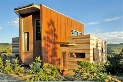 Off grid Shipping Container House challenges space