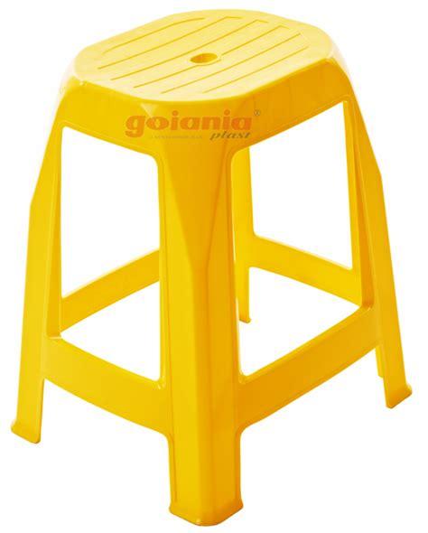 banquetas de plastico banquetas de pl 225 stico coloridas cadeira e cia