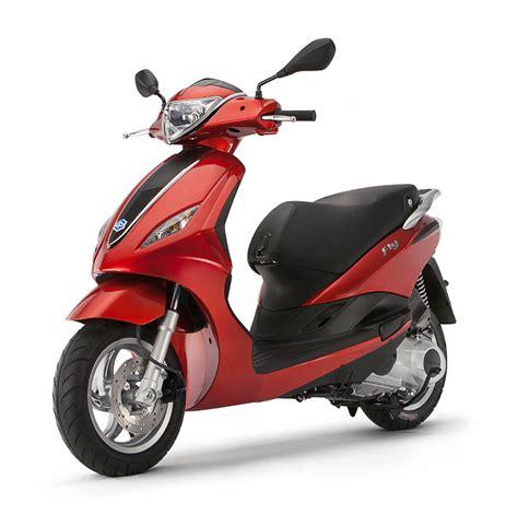 piaggio scooters en modeloverzicht 2015 scooternews nl