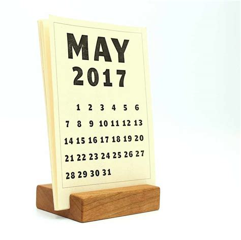 Office Accessories Happy Bungalow Desk Calendar With Stand
