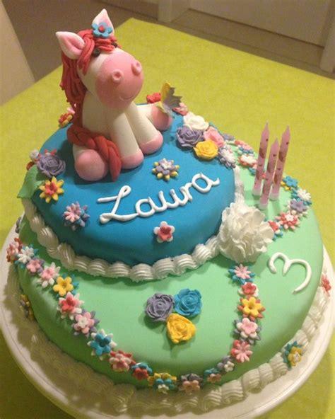 kuchen kindergeburtstag pferd motivtorte mit pferd f 252 r kindergeburtstag mycrafts