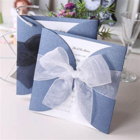 Einladungskarten Hochzeit Blau by Sch 246 Ne Blaue Einladungskarten Zur Hochzeit Mit Dezenter
