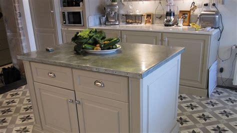 comment faire un plan de travail cuisine comment faire un ilot central cuisine 2 plan de travail