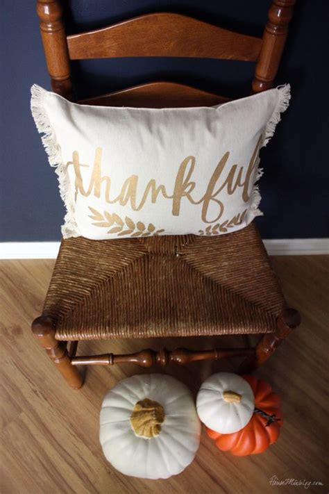 diy home decor how to make placemats and other easy diy fall thanksgiving pillow from a 5 placemat house