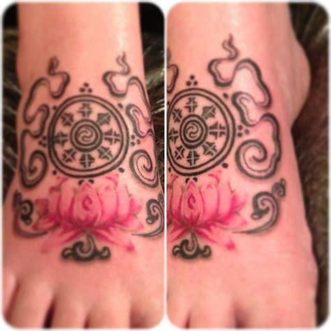 dharma wheel tattoo designs dharma wheel lotus blossom tattoos