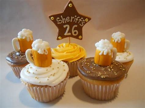 impressive cupcakes  men  fathers day family holidaynetguide  family holidays