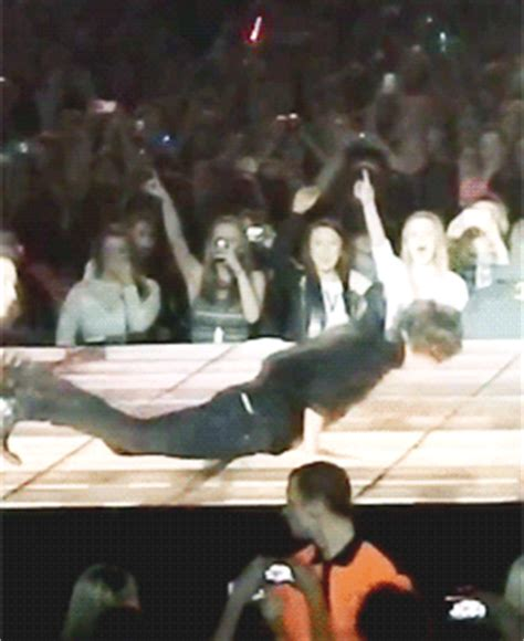 harry styles is a literal noodle a tall and gangly and harry styles is a literal noodle a tall and gangly and