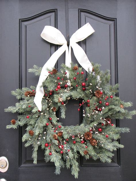 Handcrafted Wreaths - 30 beautiful and creative handmade wreaths