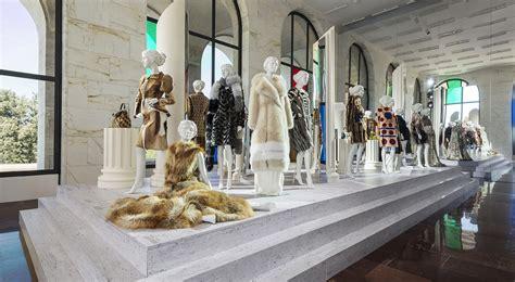 sede fendi roma fendi roma exhibition celebrates artisans lvmh