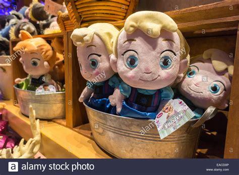 Promo Band Aid Frozen Ori disney store display stockfotos disney store display