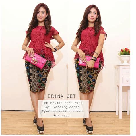Baju Muslim Setelan Kebaya Set Rok Batik Arina Laser Lorek Marun kumpulan gambar model baju kebaya batik gaun pesta modern