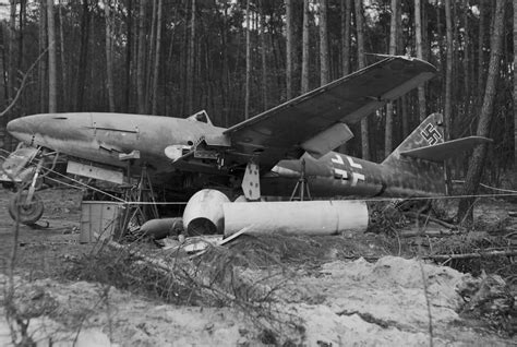 abandoned world 30 images of the messerschmitt me 262 wrecked captured