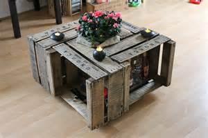 table basse avec des caisses en bois juliencreations