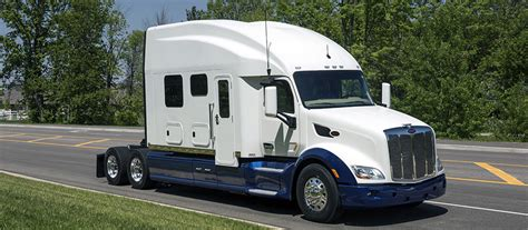 luxury semi trucks image gallery luxury semi truck sleepers