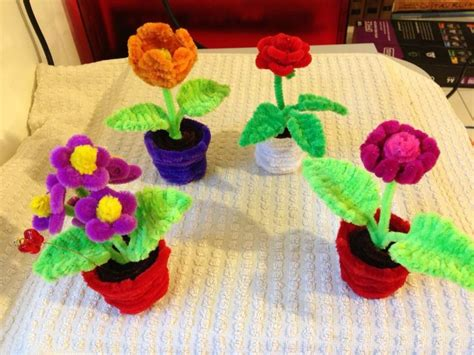 Flowers With Tissue Paper And Pipe Cleaner - 25 best ideas about pipe cleaner flowers on
