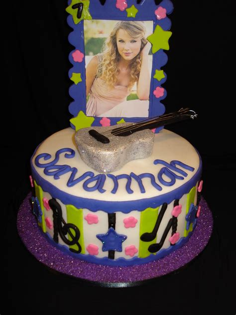 taylor swift it s my birthday taylor swift birthday cake cakecentral