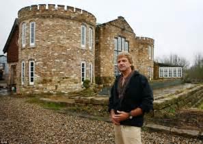 Victorian Farmhouse Plans by Honeycrock Farmhouse Secretly Built Castle In Redhill