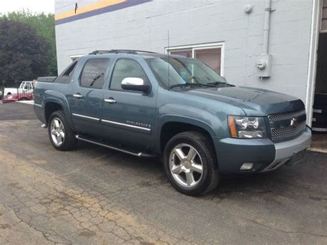 auto air conditioning repair 2008 chevrolet avalanche engine control buy used 2008 chevy avalanche z71 loaded new chevy trade leather roof perfect carfax in york