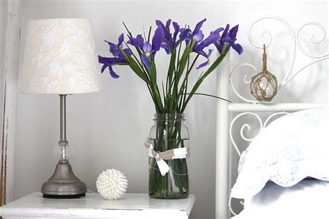 blue cottage flowers in the bedroom decoist