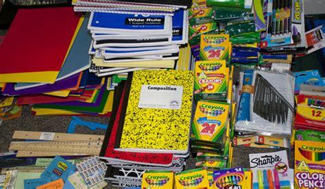 Perlengkapan Sekolah wal mart offers price but can teachers save on