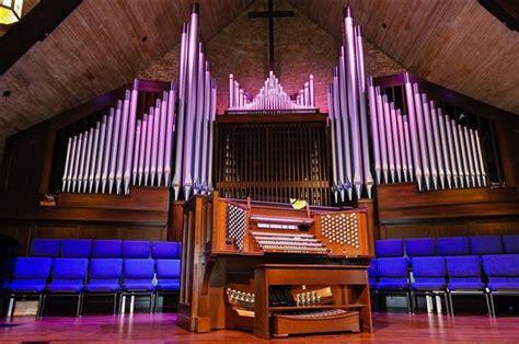 File Pipe Organ At Kirksville Christian Church Jpg Rejoice The Lord Is King Exposing Christian Error
