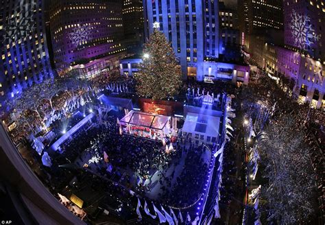 when are they lighting the tree at rockefeller center sting michael buble and the bandy perry at the