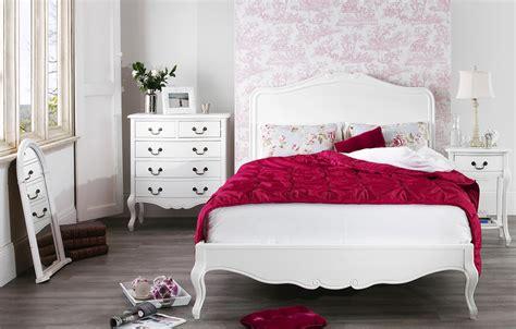 shabby chic bedroom sets juliette white shabby chic bedroom furniture 17044 | Juliette Antique White WoodenBed Roomset610x390
