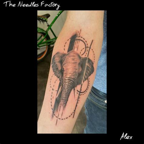 201 l 233 phant tatouage style divers par alex the needles