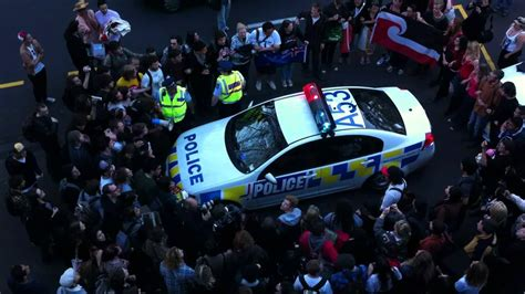 Of Auckland Mba Review by We Are The Protesters Surround Car