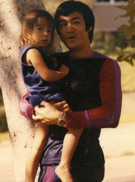 bruce lee daughter biography shannon lee bruce lee s daughter age height biography