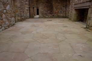 file tolquhon castle detail of floor in main hall jpg wikipedia