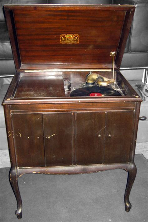 uhuru furniture collectibles victrola record player