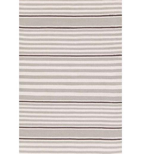 teppich grau weiß gestreift outdoor teppich rugby stripe grau gestreift im greenbop