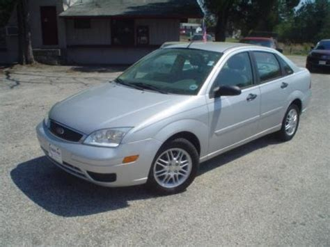 2005 ford focus specs 2005 ford focus zx4 se sedan data info and specs