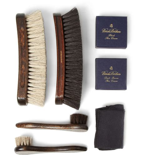 Shoo Care cedar wood shoe care kit by brothers extravaganzi