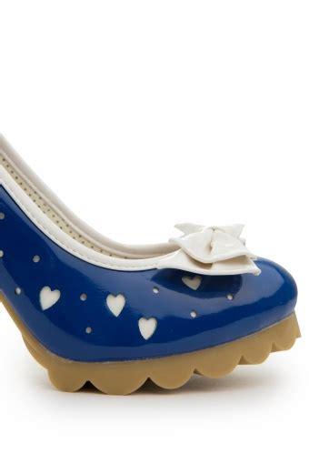 Sandal Glossy Kotak Mo 39 we royal blue patent pumps