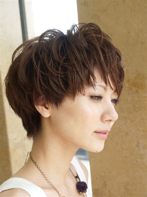 quirky haircuts for curly hair short hairstyles have become very popular among