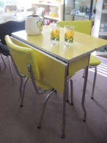 Formica Table And Chairs For Sale by 1950 Formica Table And Chairs Yellow 1950 S Cracked