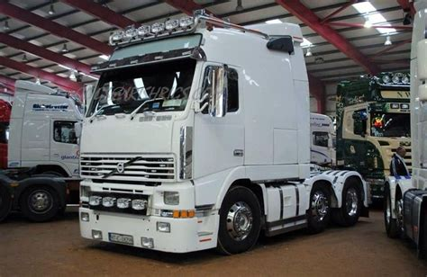 volvo truck sleeper cabs volvo globetrotter with sleeper cab damn what a